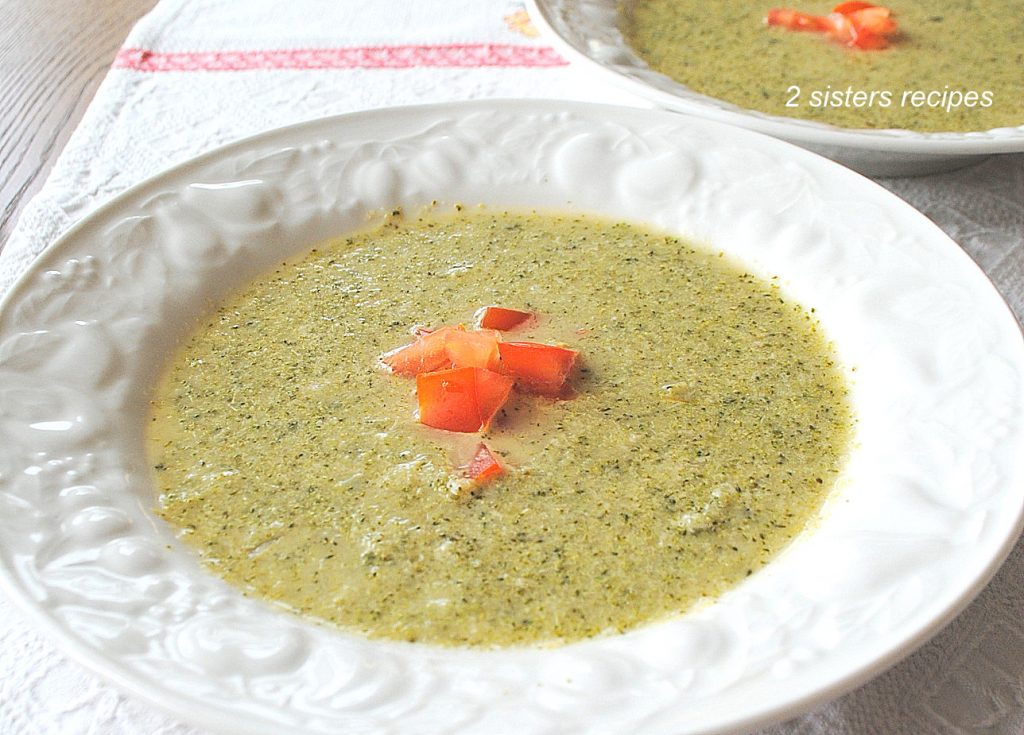 Creamy Broccoli Soup -without the cream! by 2sistersrecipes.com