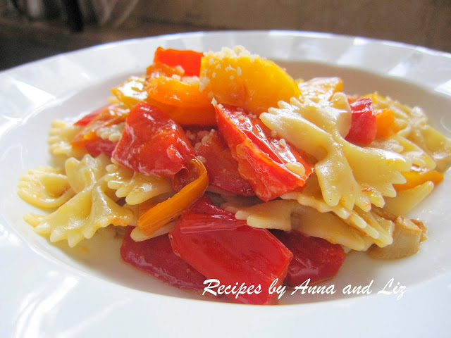 Bow Tie Pasta with Peppers by 2sistersrecipes.com
