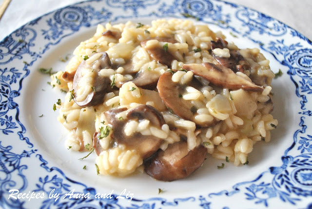 Risotto con Funghi, with Mushrooms by 2sistersrecipes.com