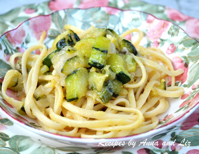 Linguine Pasta with Zucchini & Onions by 2sistersrecipes.com