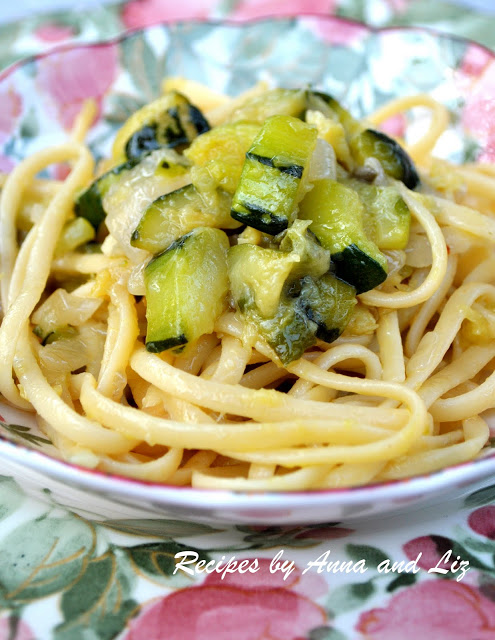 Linguine Pasta with Zucchini & Onions. by 2sistersrecipes.com
