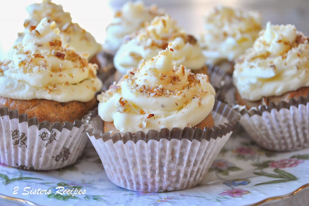 Hummingbird Cupcakes and Christmas.  by 2sistersrecipes.com