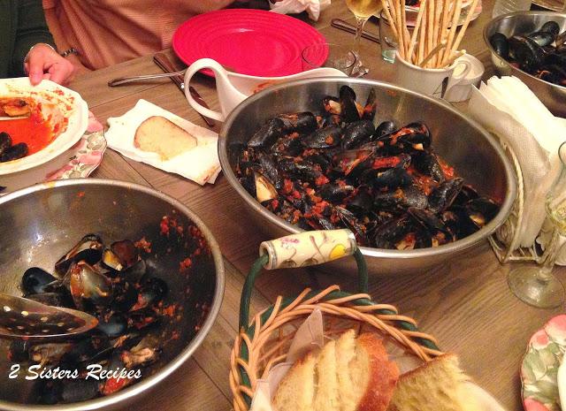 Quick Mussels Fra Diavolo by 2sistesrecipes.com