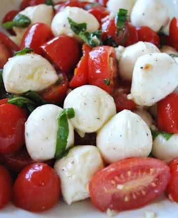 Spring Tomato Basil Bocconcini Salad by 2sistersrecipes.com
