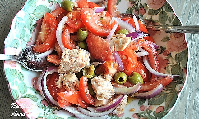 Refreshing Tomato Salad with Tuna, Olives, & Red Onions, by 2sistersrecipes.com
