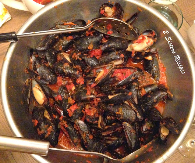 Quick Mussels Fra Diavolo by 2sistersrecipes.com
