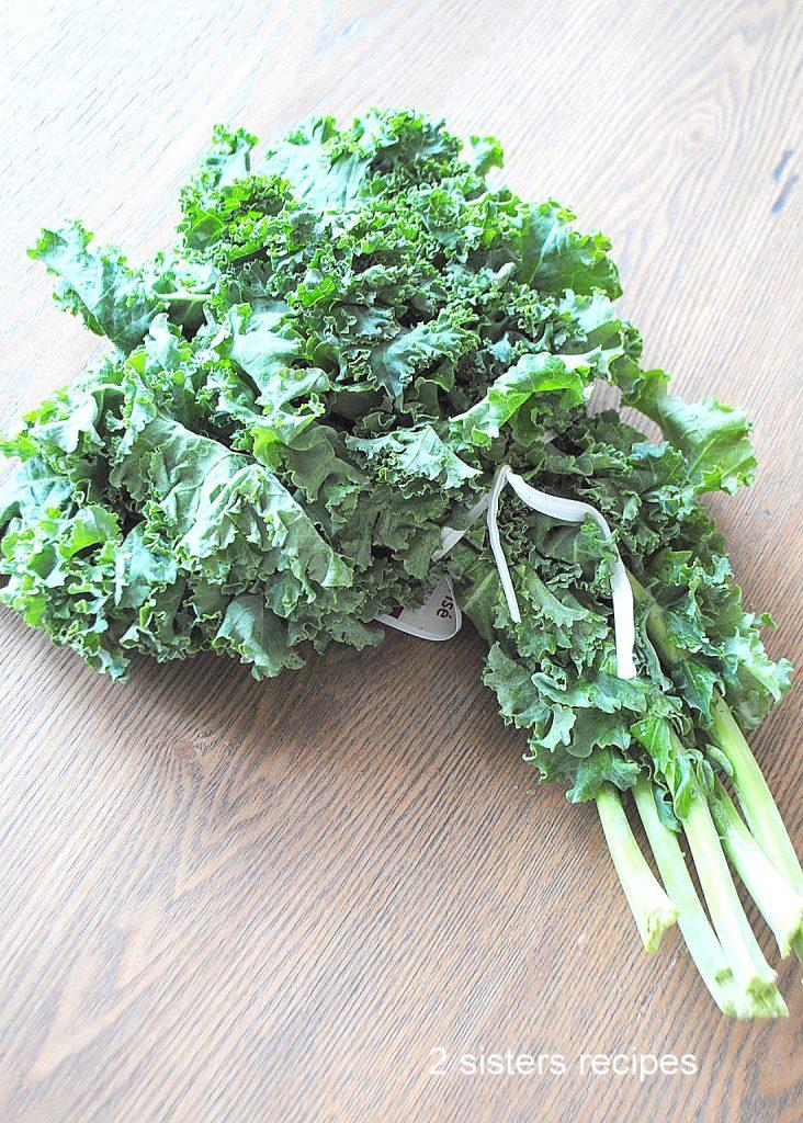Quinoa Kale Salad by 2sistersrecipes.com