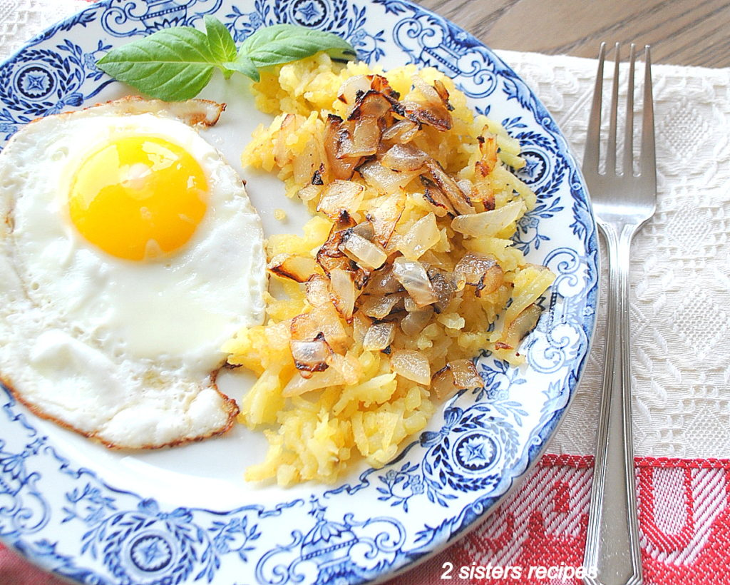 Easy Hash Browns Breakfast by 2sistersrecipes.com