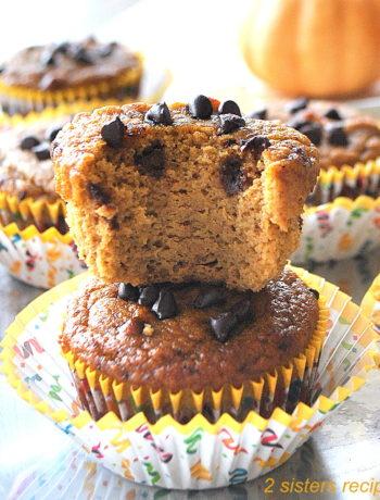 Paleo Pumpkin Chocolate Chip Muffins by 2sistersrecipes.com