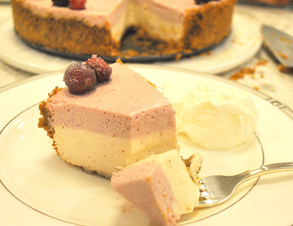 Holiday Cranberry Cheesecake by 2sistersrecipes.com