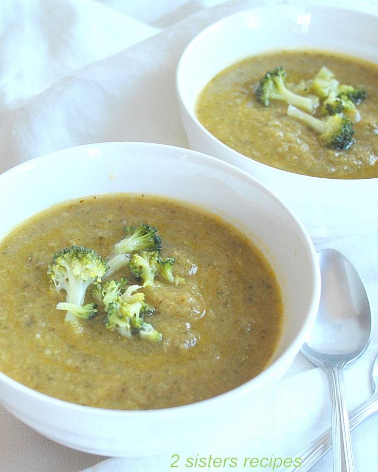 Easy Broccoli Zucchini Soup by 2sistersrecipes.com