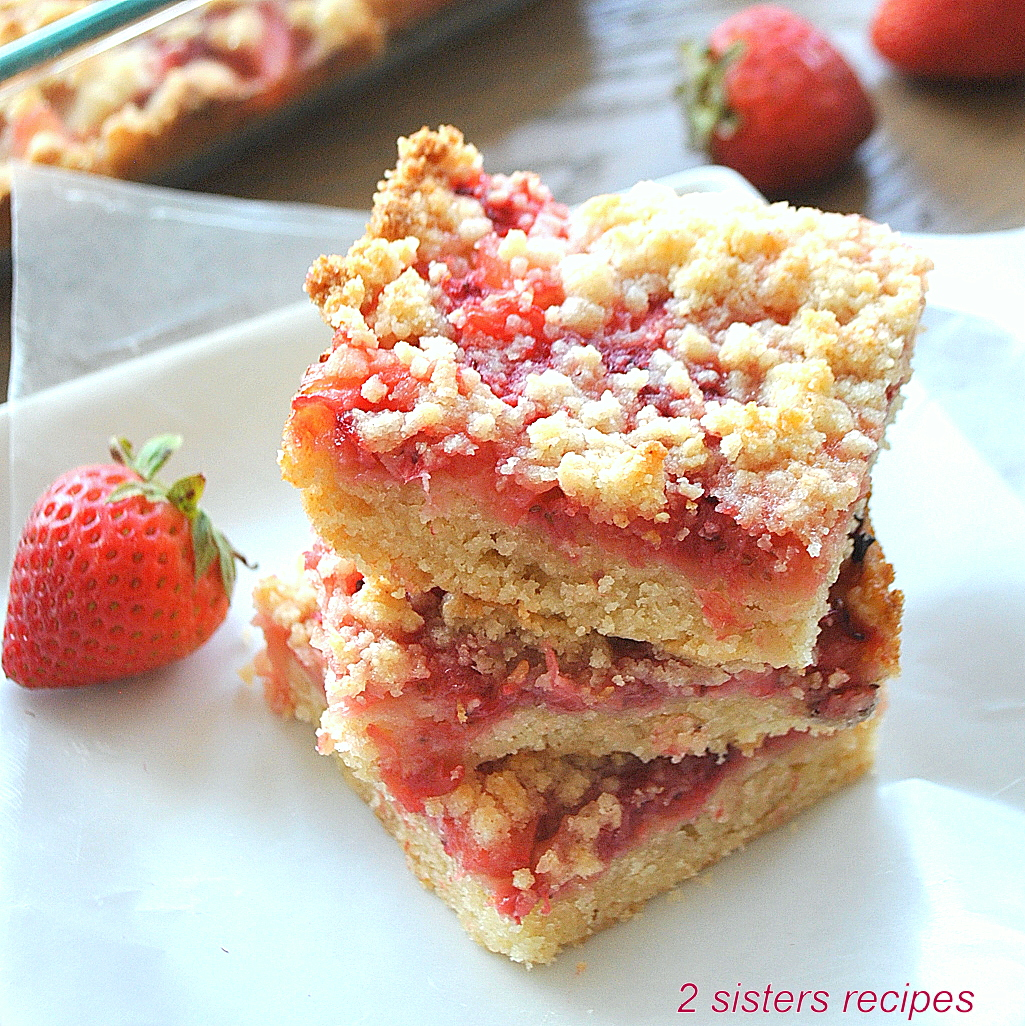 Strawberry Pineapple Crumble Bars by 2sistersrecipes.com