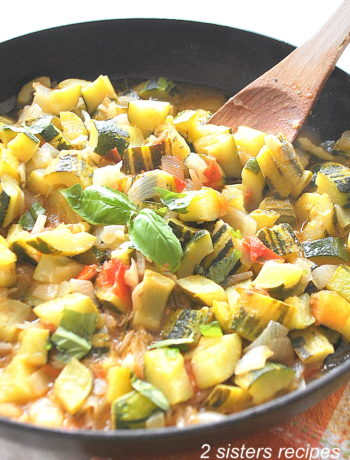 Easy Italian Zucchini Stew by 2sistersrecipes.com